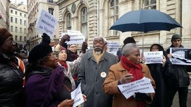 [MOBILISATION] Plus d'une centaine de personnes Lyon pour dire Stop Boko Haram (photos)