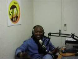 TINO DE LA ROCCA animateur de Mix Afrique sur SUN FM vous présente ses voeux pour 2007
