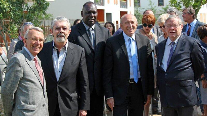 [SENEGAL] Le Maire de Lyon Gérard Collomb a inauguré l'Allée Senghor dans le 7e