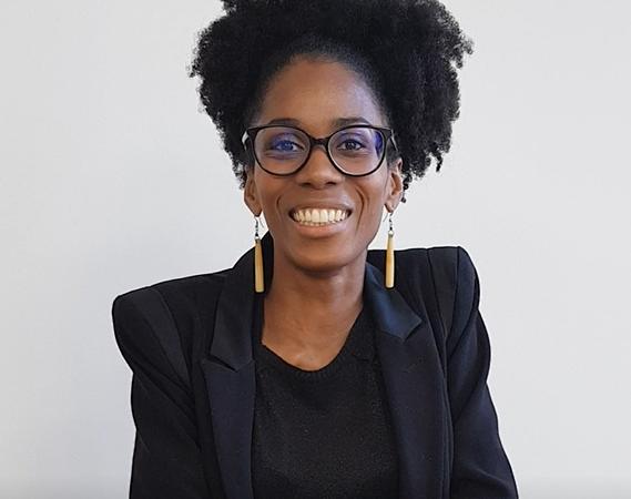 [PORTRAIT] Stéphanie Bénie « Créer une plateforme de partage et d'échange de conseils pour les peaux à tendances acnéiques  en se focalisant principalement sur la communauté Afro » (Chronique Beauté Noire)