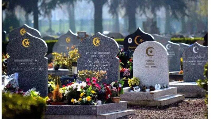 [CORONAVIRUS] En France, les diasporas africaines ne savent plus où enterrer leurs morts (Le Monde)