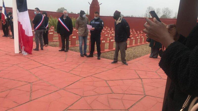 [MEMOIRE] Malgré la crise sanitaire, l'hommage aux tirailleurs Africains a été rendu ce mercredi 11 novembre 2020 au Tata de Chasselay (69) (Photos-vidéo)
